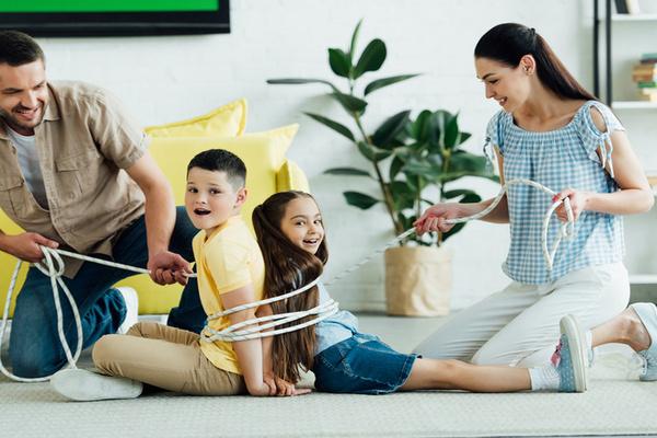 Как не сойти с ума с детьми на карантине: 7 советов психолога
