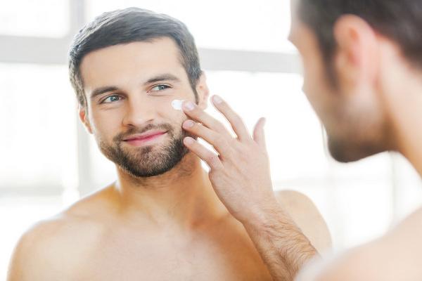 Какие косметические средства должны быть у каждого мужчины?