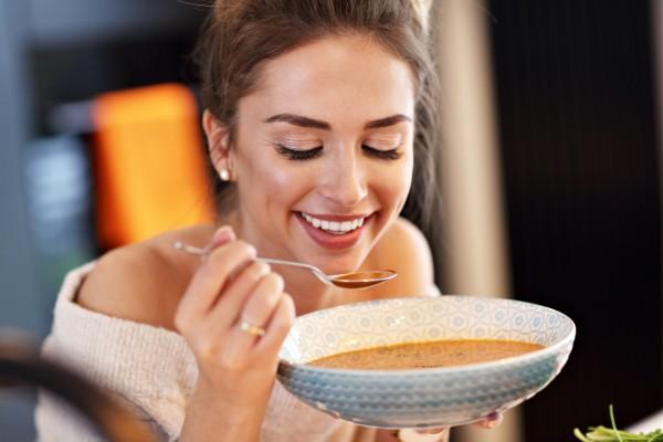 Почему после горячего нельзя есть холодное: мнение врача