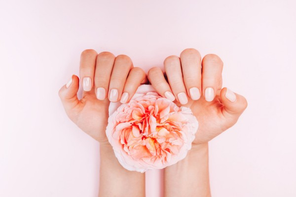Уход за ногтями и руками осенью + 7 кремов, которые спасут сухую кожу