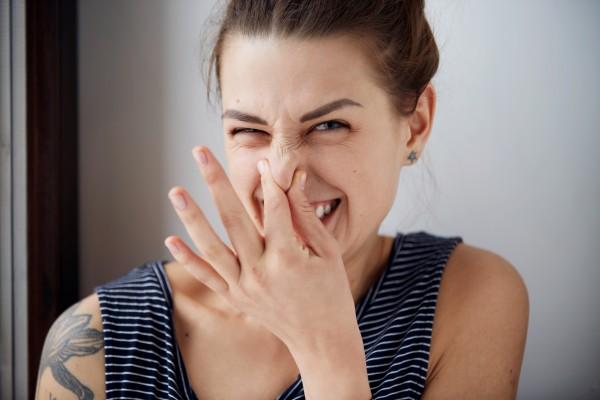 Как быстро избавиться от запаха старости в квартире
