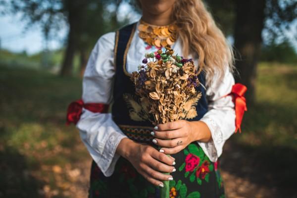 Как наказывали гулящих женщин за измену на Руси