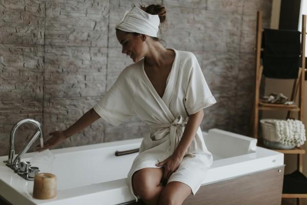 Когда лучше принимать душ — утром или вечером