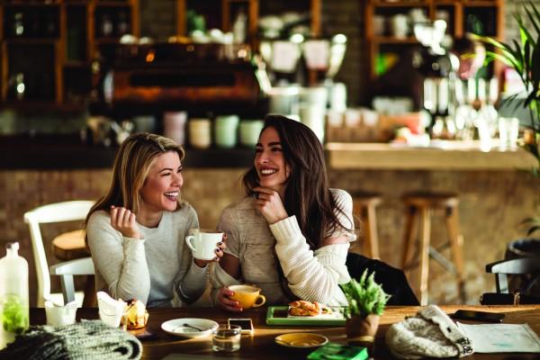 10 «бесценных» советов подруг, которые испортят твои отношения