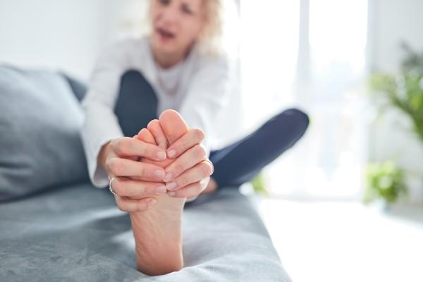 Запущенный грибок ногтей, лечение и советы врача