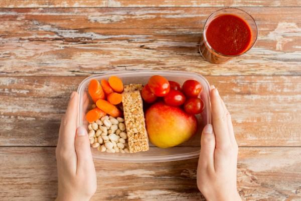 Как сделать перекус полезным для здоровья и фигуры: советы врачей
