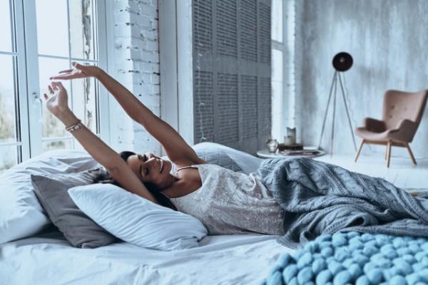 Почему нельзя спать ногами к двери, и еще 5 сонных запретов