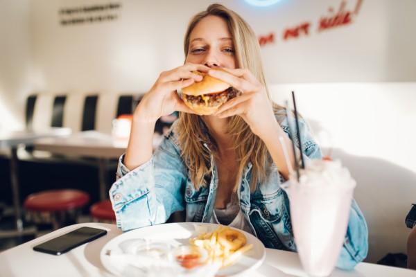 Наименьший вред: блюда из фастфуда, которые не испортят вашу фигуру