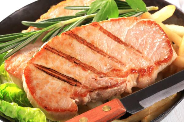 Сколько времени нужно жарить свинину до готовности