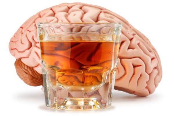 Доказано: мозг продолжает разрушаться, даже если перестать пить алкоголь
