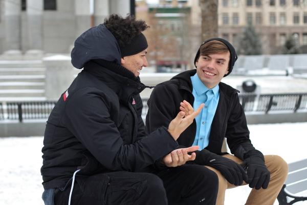 Как стать отличным собеседником: 10 приемов, как разговорить любого