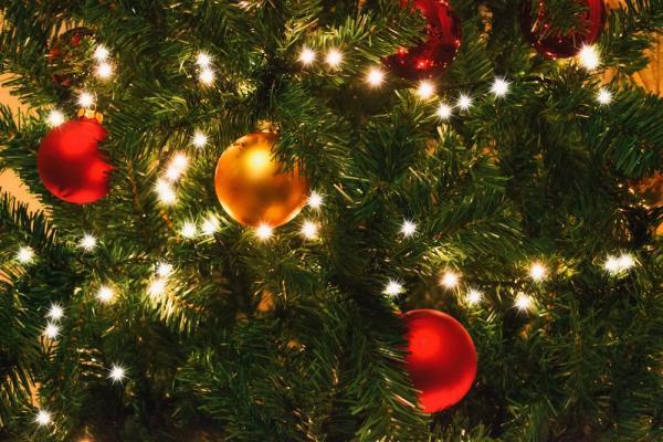 Little party never killed nobody: во сколько обойдется украшение дома к новогодней вечеринке