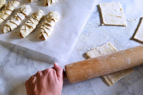 Как правильно разморозить слоеное тесто