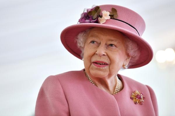 Как быстро заснуть: полезный лайфхак королевы Елизаветы II