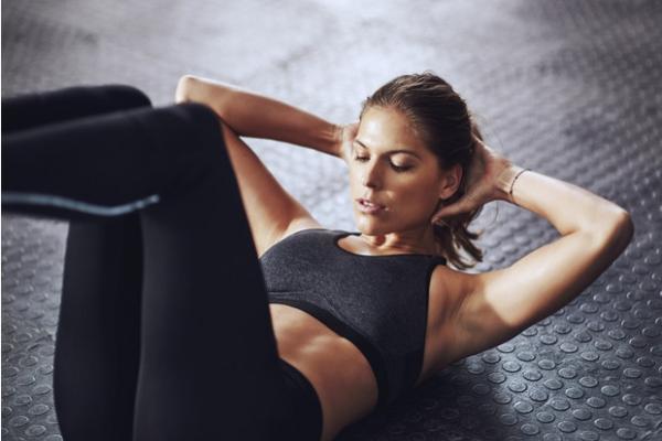 6 упражнений на ягодицы и пресс для ленивых