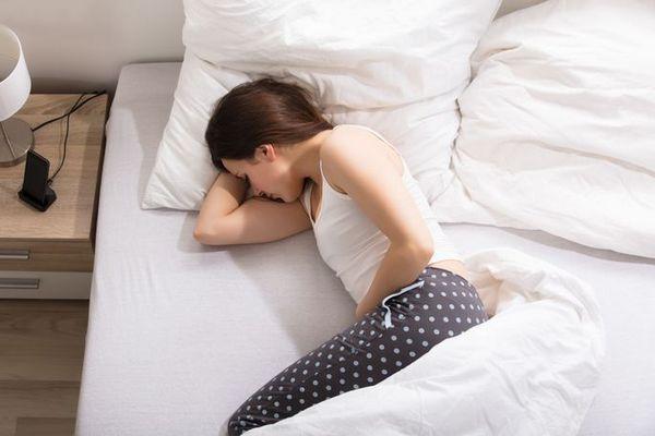 ТОП 5 советов справиться с болью при месячных