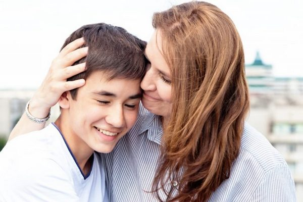 Как правильно общаться со взрослым сыном