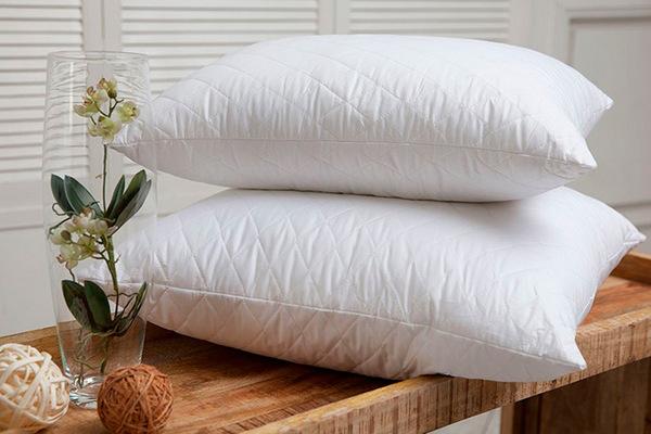 Как ухаживать за пуховыми подушками и одеялами