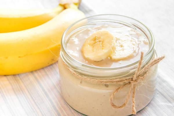 4 рецепта увлажняющих масок для лица с бананом