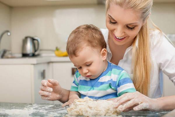 Ваш личный шеф-повар: 5 причин научить ребенка готовить
