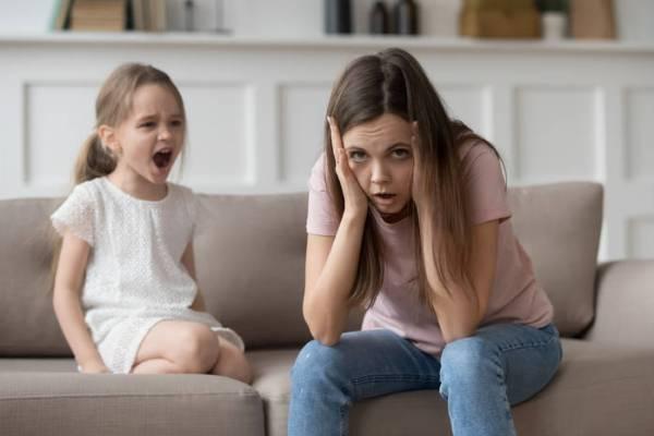 5 признаков, что ребенок вами манипулирует, а вы этого не замечаете