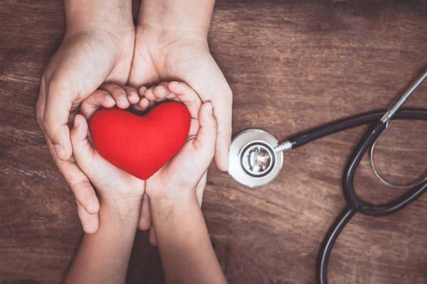 Коклюш, ветрянка, корь и другие «детские» болезни у взрослых: как себя защитить
