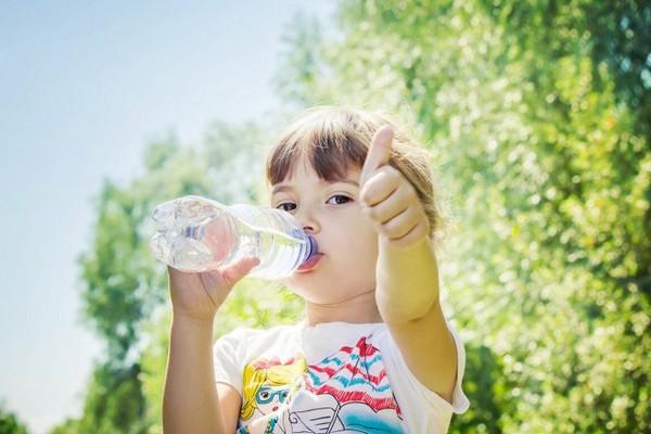 Три самых полезных напитка для ребенка