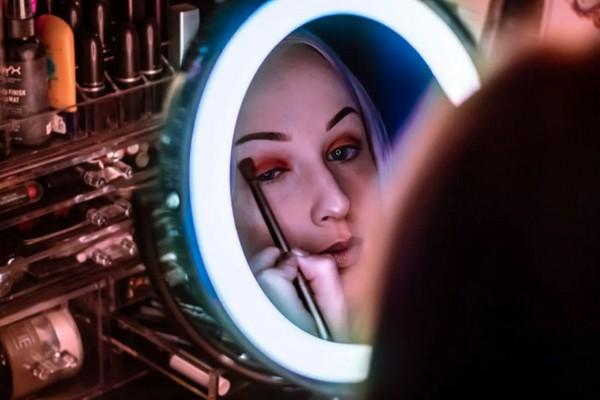 Эти 7 лайфхак помогут женщинам с нависшими веками сделать удачный макияж глаз