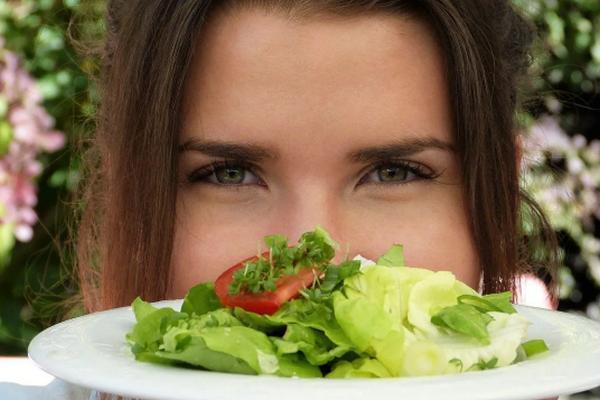 Почему женщинам нужно минимизировать потребление картофеля, кукурузы и зеленого горошка