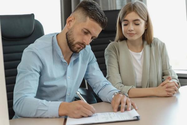 Как не стать обманутыми при поиске работы – главные признаки мошенников