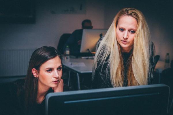 Работа по знакомству – разбираем проблему со всех сторон