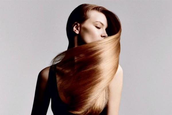 Диетолог назвала питательные вещества, которые помогут уменьшить выпадение волос