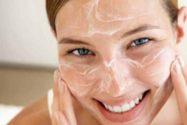 Как правильно нужно очищать кожу лица гелем для умывания