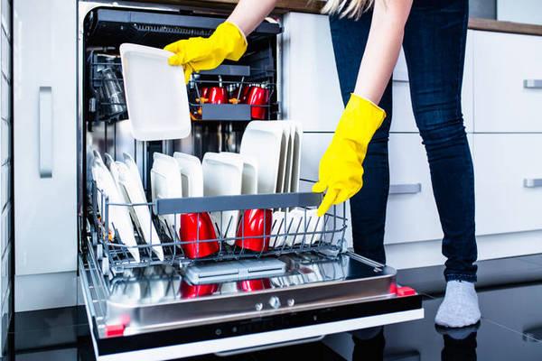 5 вещей, которые нельзя класть в посудомоечную машину