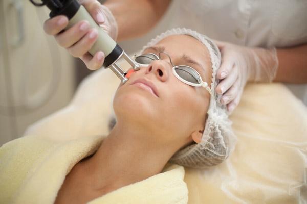 Лазерная шлифовка лица: особенности процедуры