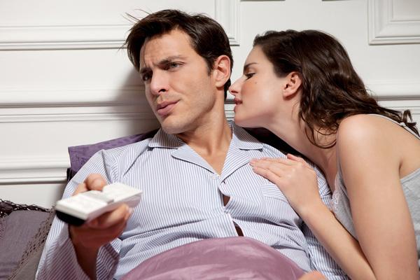 Как ведет себя мужчина, который разлюбил: 6 важных признаков