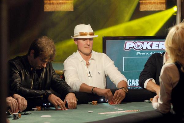 Азарт не порок: где играть в покер?