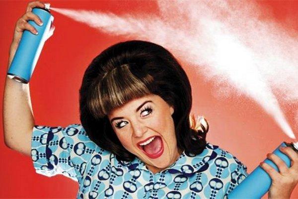 12 способов необычного использования лака для волос в хозяйстве