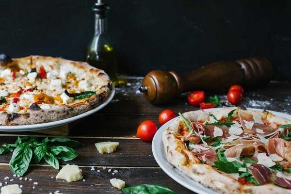 Піца від ресторану il Molino: великий вибір смачних рецептів