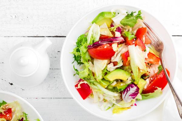 Салат с авокадо и творожным сыром