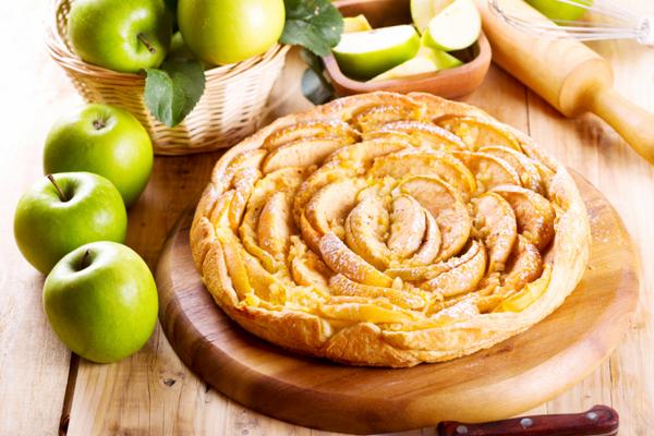 Быстрый яблочный пирог за 30 минут