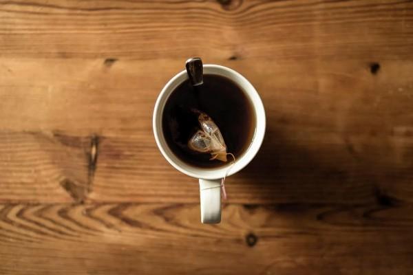 Самые эффективные и неожиданные способы использования чайных пакетиков в городе