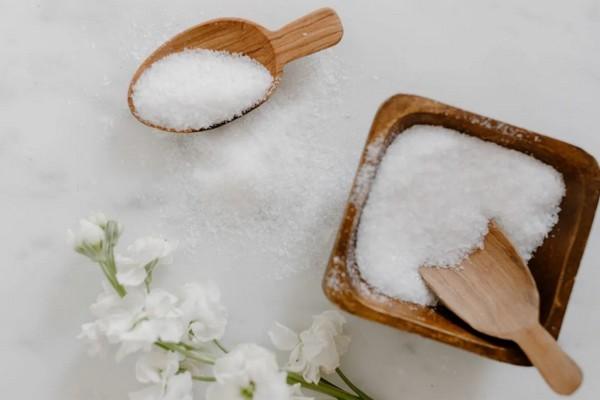 6 способов использования соли в быту, кроме употребления ее в пищу