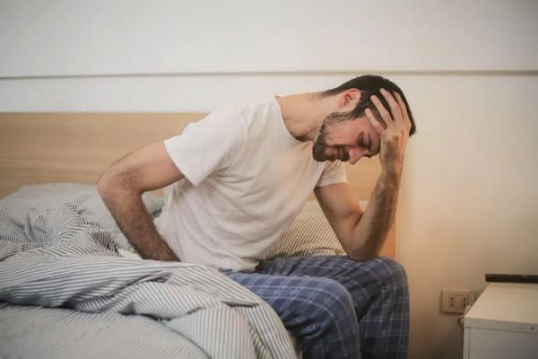 По каким причинам мужчины во время болезни чувствуют себя хуже женщин