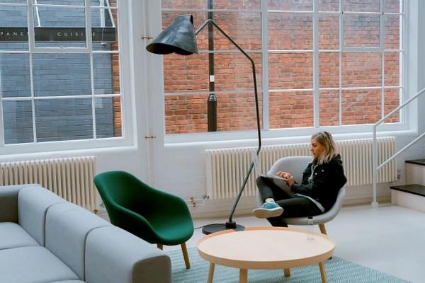 Многие люди мечтают вернуться в офисы с удаленной работы и вот почему