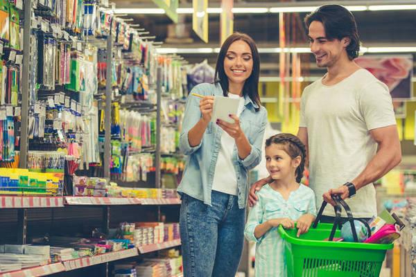 7 способов экономить на покупке продуктов для большой семьи