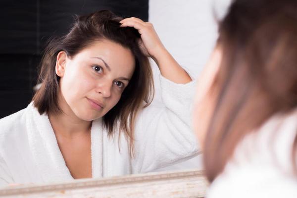Как скрыть, что у вас грязные волосы