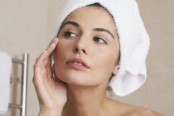 Главный враг пигментных пятен: что такое арбутин, и как он преобразит вашу кожу