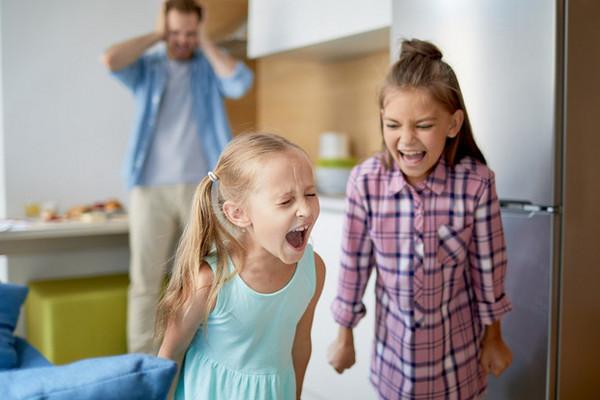 Три неочевидных причины детских истерик (и как с ними правильно бороться)