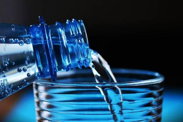 Сколько воды нужно пить в жару?